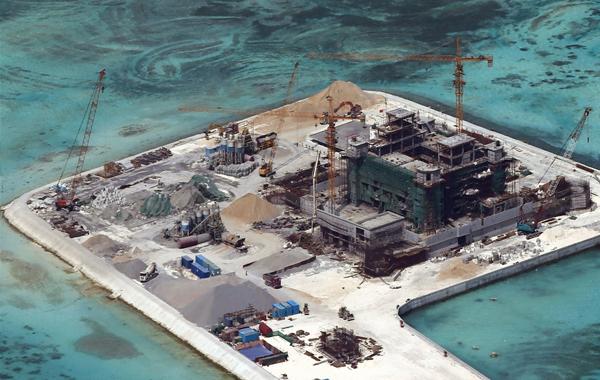 Reclamation activity ng China sa Kennan Reef (photo courtesy of Magdalo partylist)