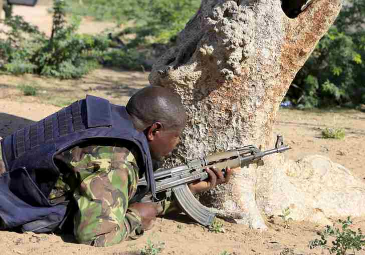 Isa sa mga rumespondeng sundalo sa Garissa University College (Photo credit: Reuters)
