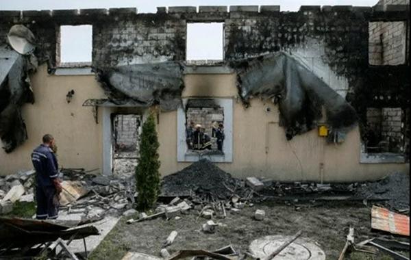 Isang care home na nasunog sa Ukraine(REUTERS)